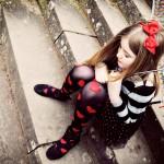 Kids_lonely_umbrellas_1920x1200