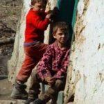 Batrani--copii-ai-strazii--saracie---Romania-vazuta-intr-un-documentar-italian